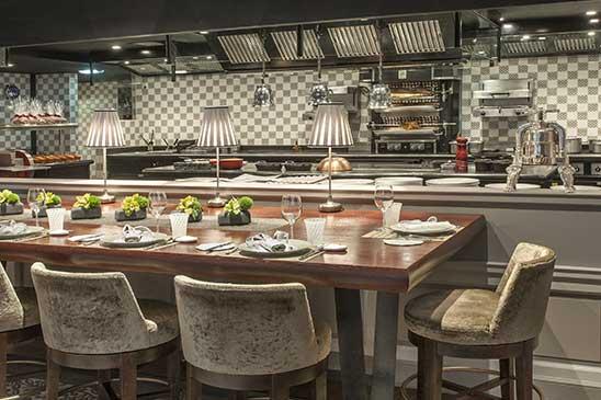 Monte carlo restaurant jo l robuchon le monde de jo l for Cuisine ouverte restaurant norme