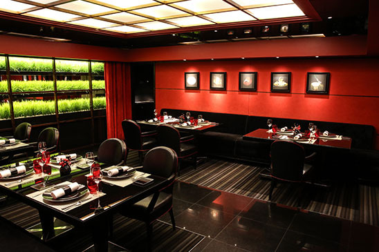 paris etoile restaurant atelier of jo l robuchon le